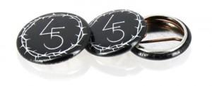 Badges réalisés pour Førtifem