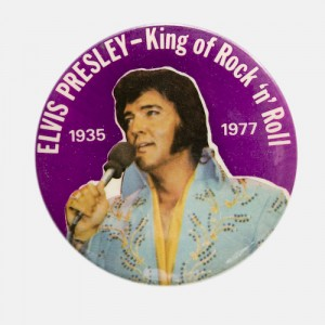 badge-collector-xxl-elvis-presley-the-king-of-rock-n-roll-rare-annees-70-.jpg