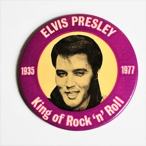Nom du fichier : badge-elvis-presley-vintage-collector-1935-1977.jpg
